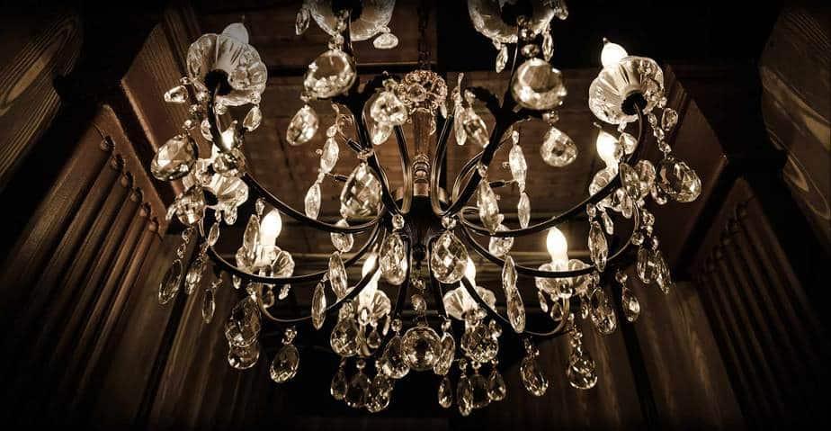 lampadaro cristallo scenografia escape room